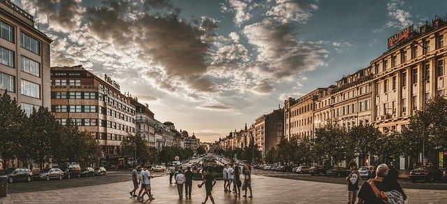 Czechy – atrakcyjny kierunek podróży za pracą