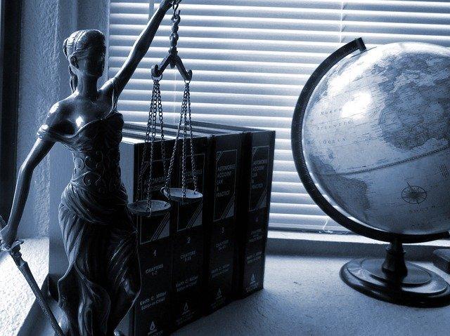 Kancelaria radców prawnych – jak otrzymać tam posadę?