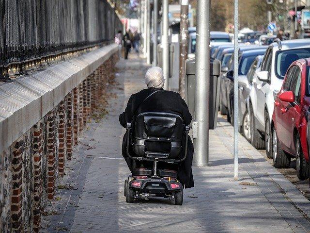 Jak pomóc osobom niepełnosprawnym w samodzielnym życiu?